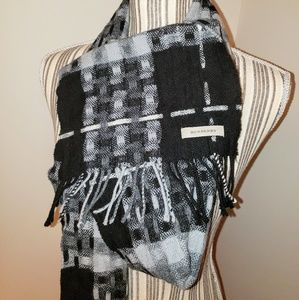 Burberry Authentic Black Gray Check Pattern Scarf